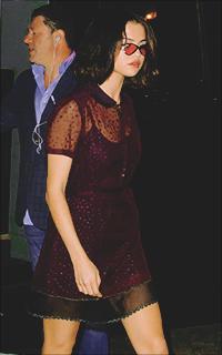 Selena Gomez DZ4SYBJw_o