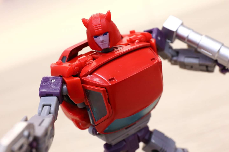 [Ocular Max] Produit Tiers - Minibots MP - PS-09 Hellion (aka Cliffjumper/Matamore), PS-11 Omne - (aka Cosmos) JhNmB030_o