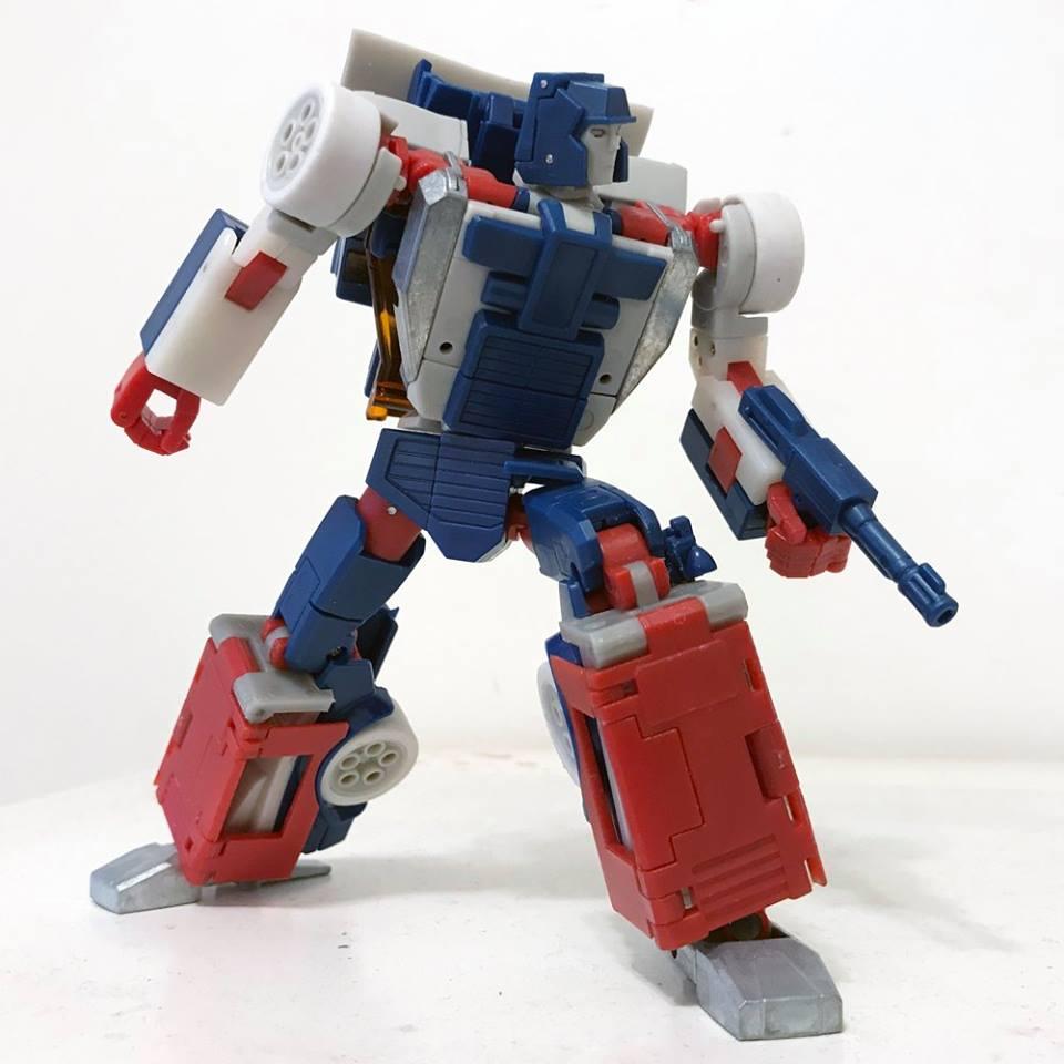 [X-Transbots] Produit Tiers - Jouets Berserkars forme Monolith (MX-XIII à MX-VII) - aka Stunticons forme Menasor/Menaseur RxahQLhz_o