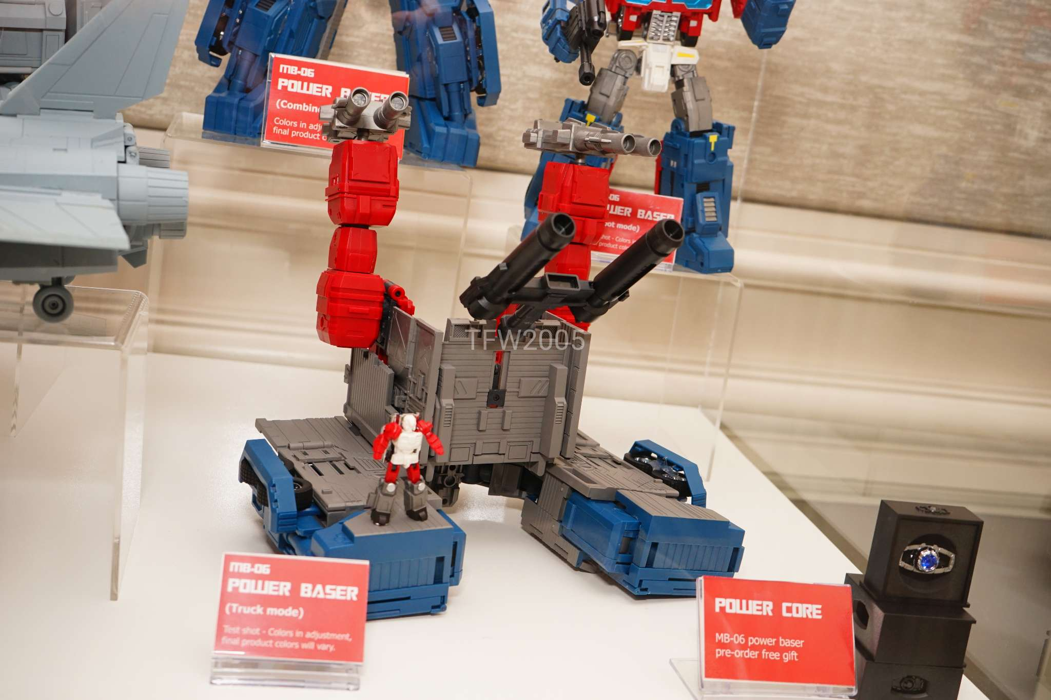 [FansHobby] Produit Tiers - MB-06 Power Baser (aka Powermaster Optimus) + MB-11 God Armour (aka Godbomber) - TF Masterforce - Page 2 I0cwtt2Y_o