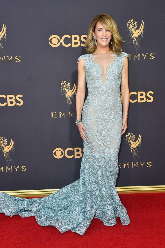 Os 5 melhores looks da noite dos Emmys 2017