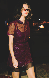 Selena Gomez I1h73etq_o