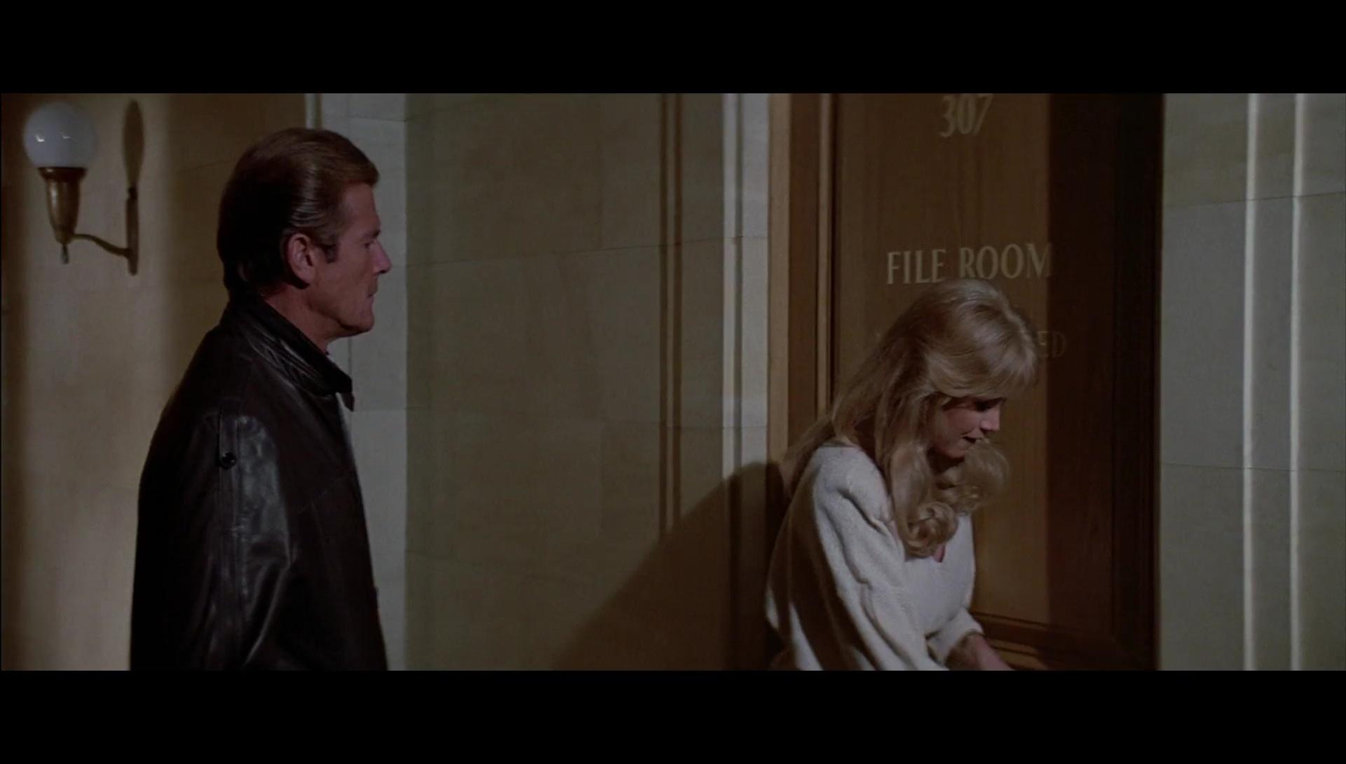 007 En La Mira De Los Asesinos 1080p Lat-Cast-Ing 5.1 (1985)