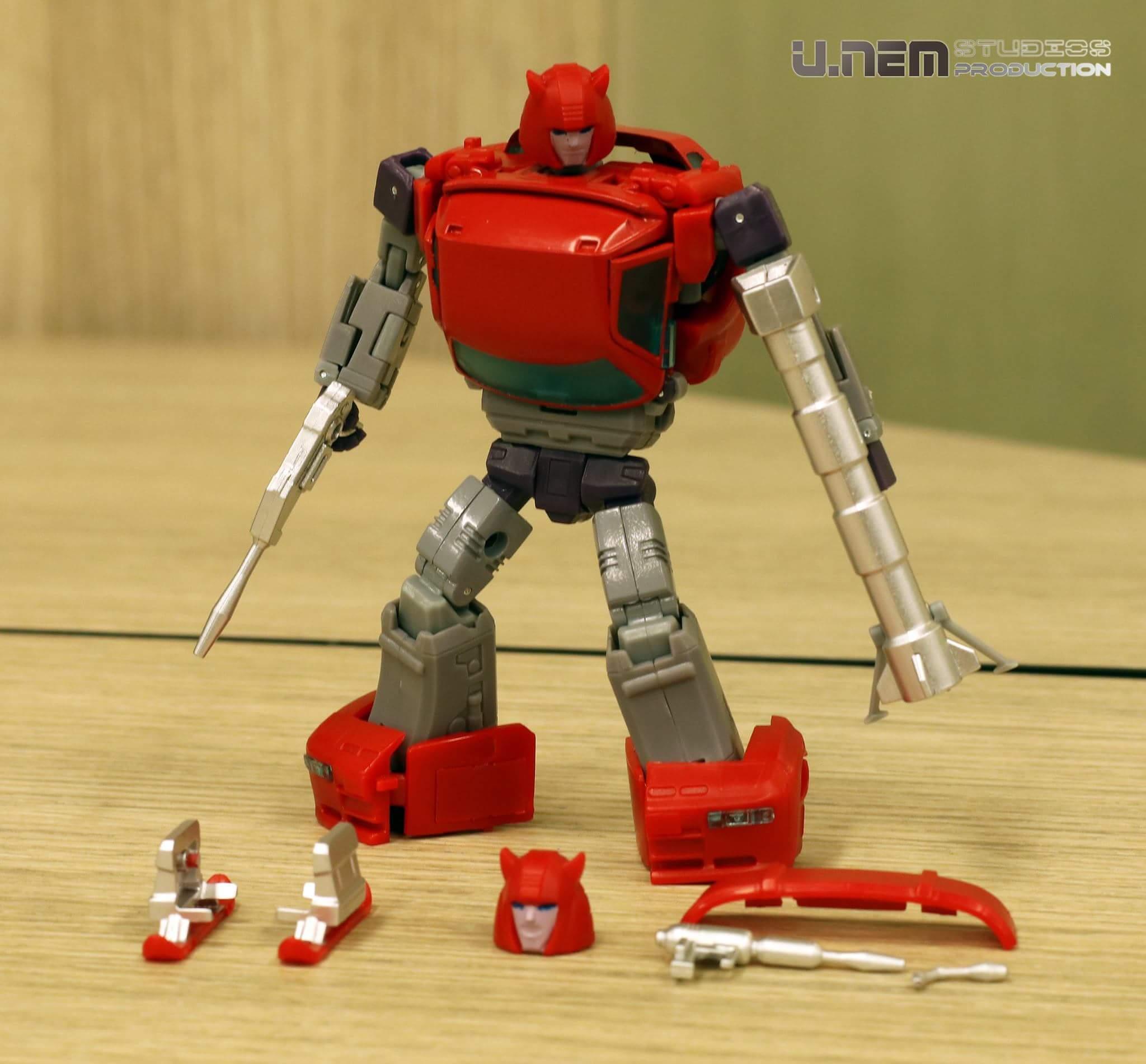 [Ocular Max] Produit Tiers - Minibots MP - PS-09 Hellion (aka Cliffjumper/Matamore), PS-11 Omne - (aka Cosmos) 1KURQhnN_o