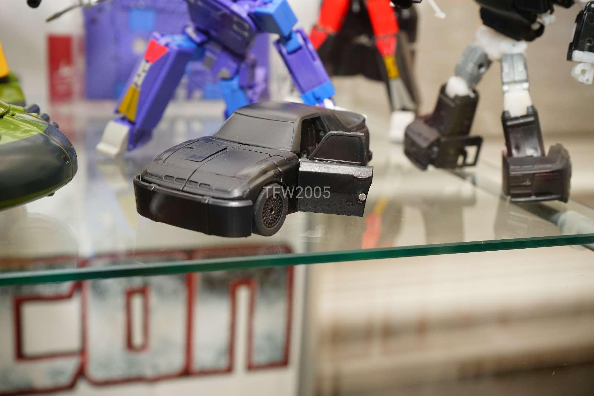[Ocular Max] Produit Tiers - Minibots MP - PS-09 Hellion (aka Cliffjumper/Matamore), PS-11 Omne - (aka Cosmos) HjM2K8Js_o