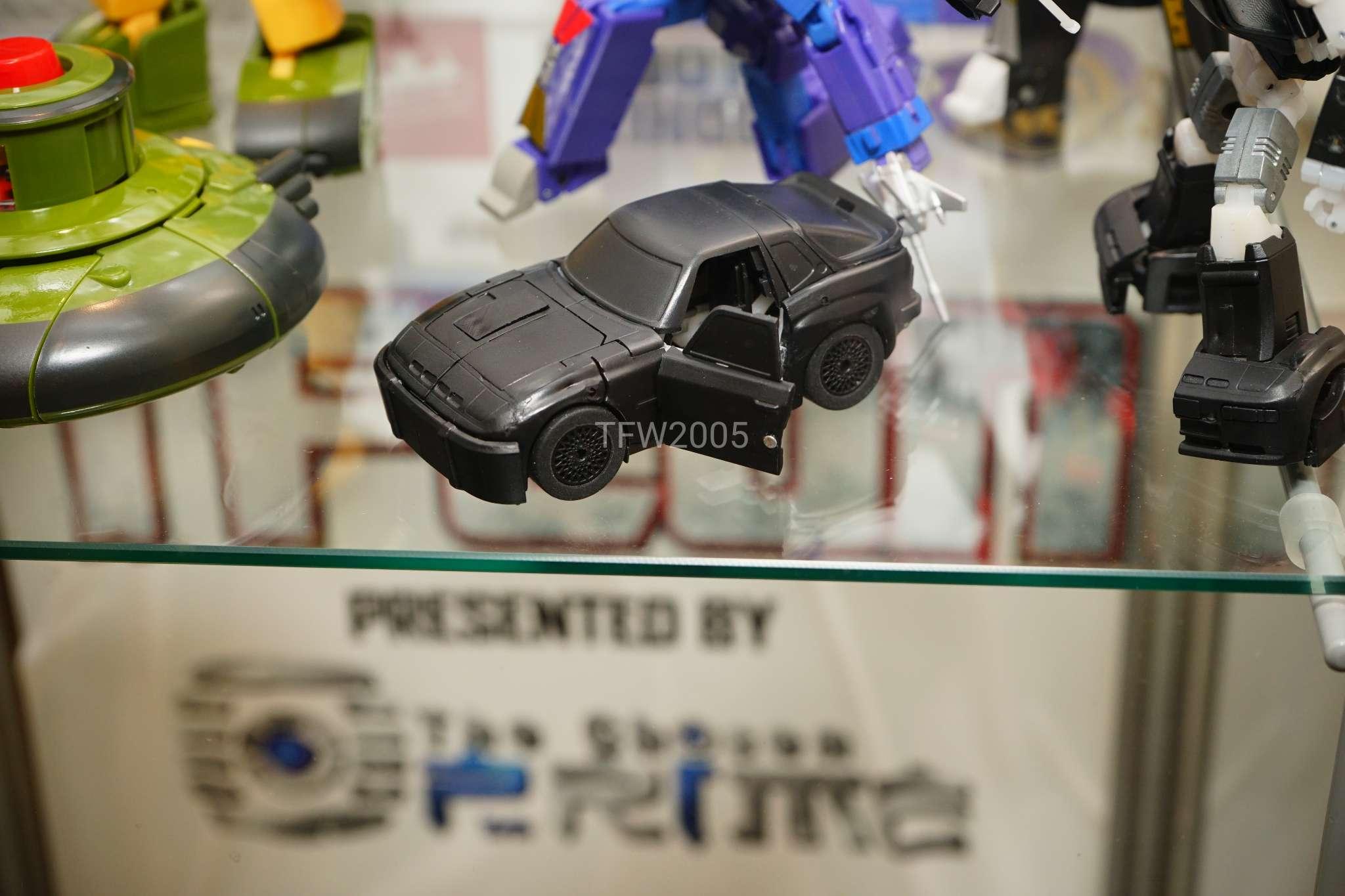 [Ocular Max] Produit Tiers - Minibots MP - PS-09 Hellion (aka Cliffjumper/Matamore), PS-11 Omne - (aka Cosmos) GfIKuSpT_o